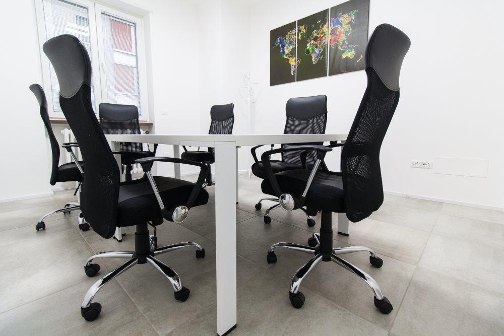 Offisquare uffici privati a ore prova una alternativa for Affitto coworking roma